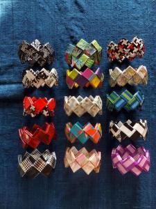 11 Armbänder